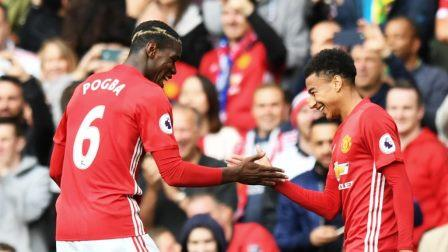Paul Pogba Jesse Lingard Manchester United, Paul Pogba Jesse Lingard, Manchester United, Paul Pogba, Jesse Lingard Manchester United, Paul Pogba Manchester United, Jesse Lingard, Premier League, Liga Inggris